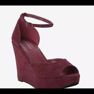 Shoes - Women Torrid Wedges size 10W, color maroon black